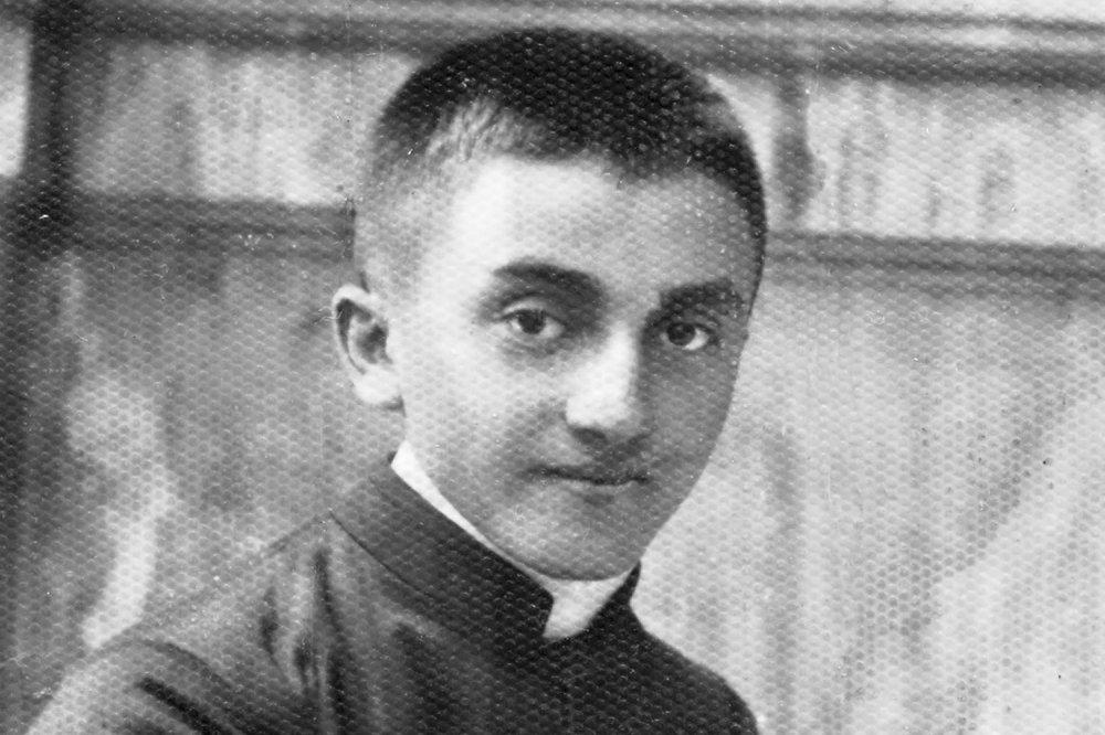 Don Oreste Benzi nel 1942