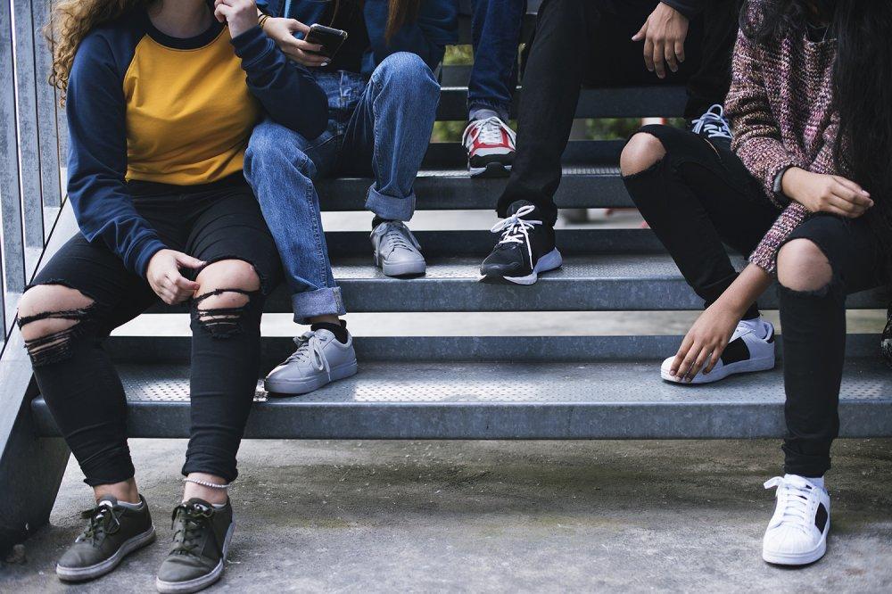 Ragazzi in jeans