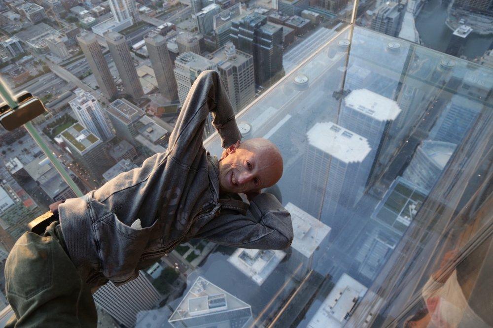 Sammy Basso in cima al grattacielo