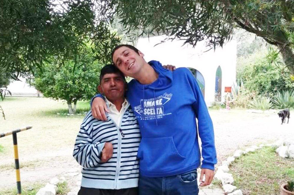 Eddy e Guglielmo Rapino in giardino