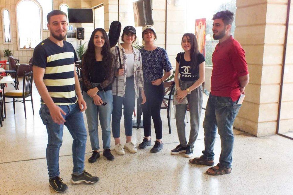 Giovani iracheni cristiani di Qaraqosh