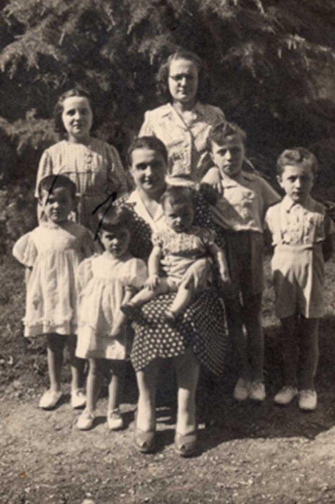 Maria e 7 bimbi 1944