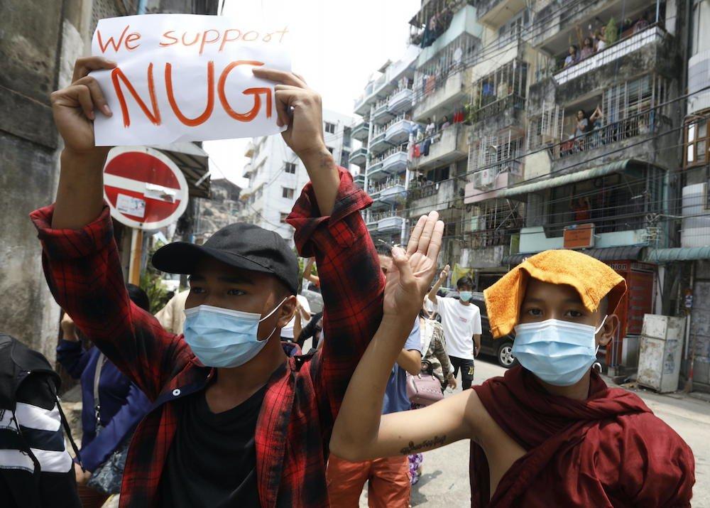 protesta cartello Myanmar