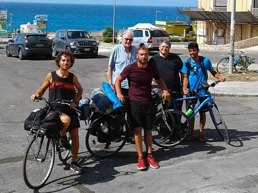 In bici in Puglia in gruppo