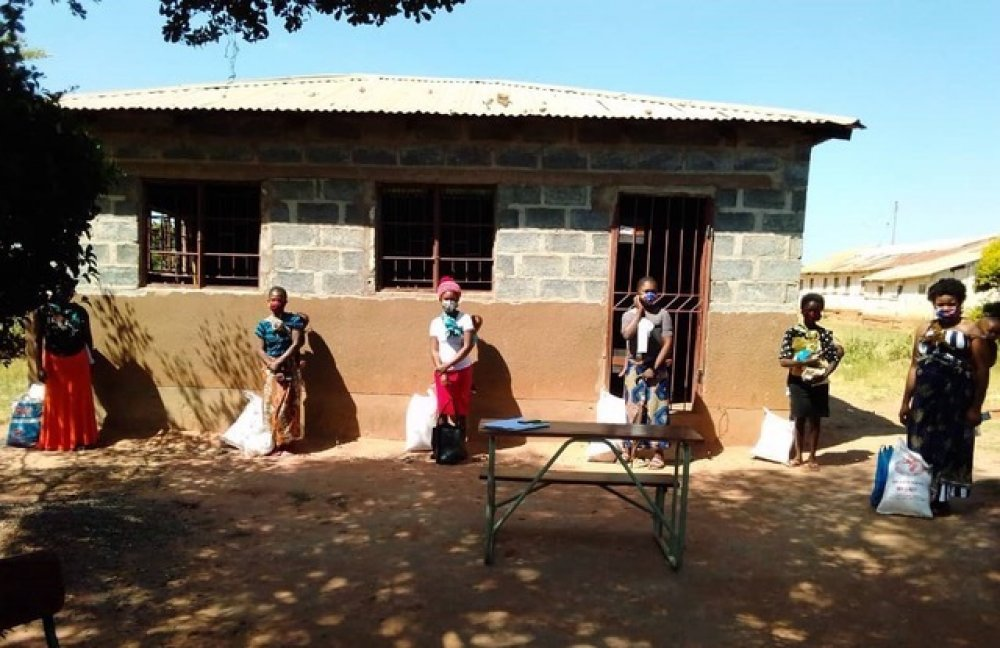 Donne in Zambia con mascherina coronavirus