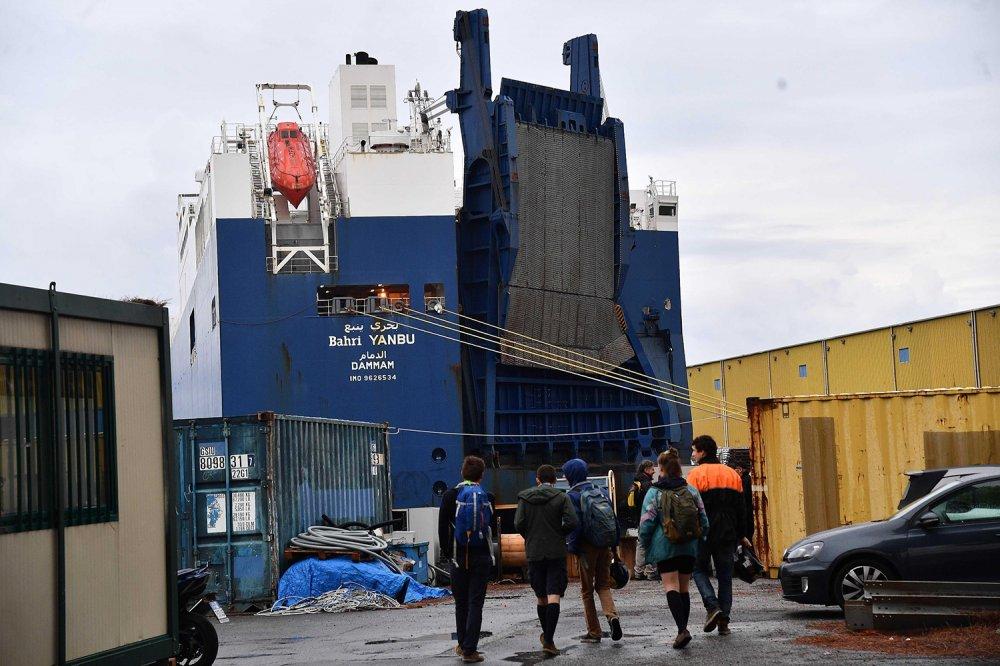 Nave cargo bloccata al porto di Genova