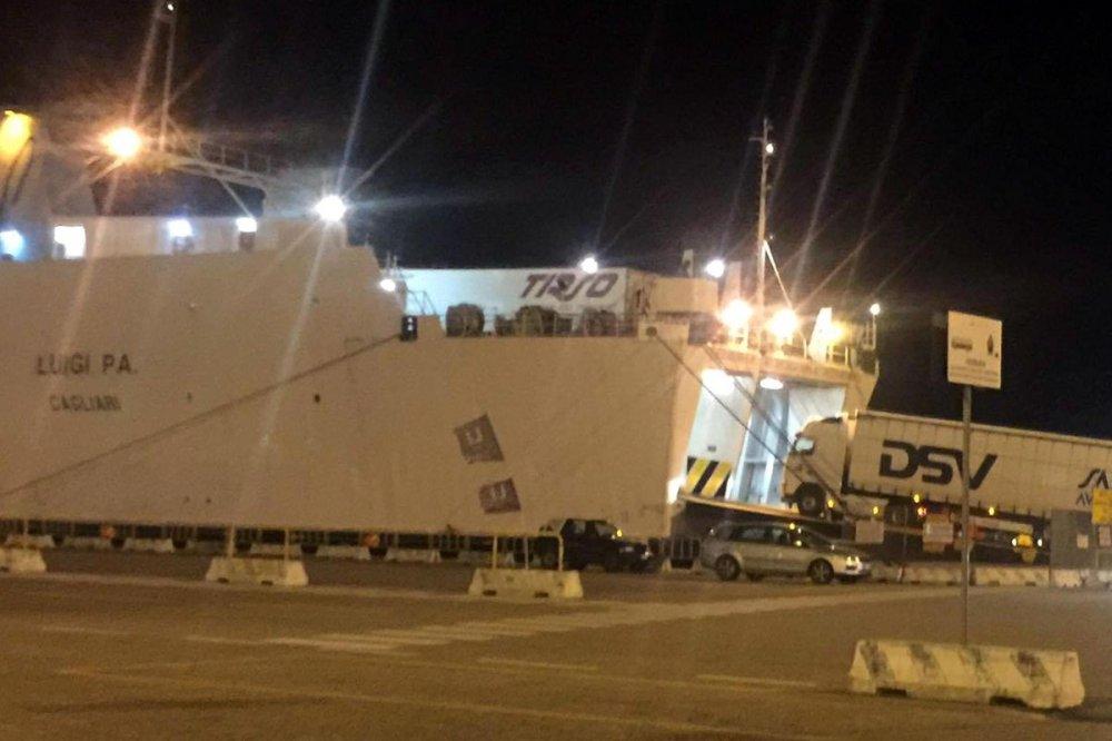 Camion partiti da Domusnovas si imbarcano al Porto di Olbia