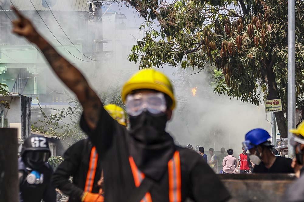 Myanmar gas lacrimogeno
