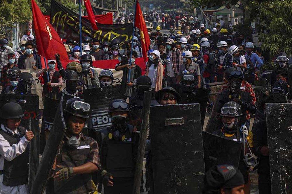 Myanmar gruppo manifestanti