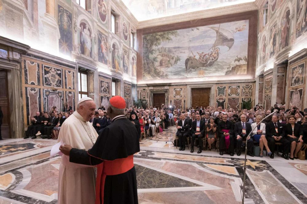 Laudato Si': Papa Francesco in Vaticano durante l'anniversario dell'enciclica