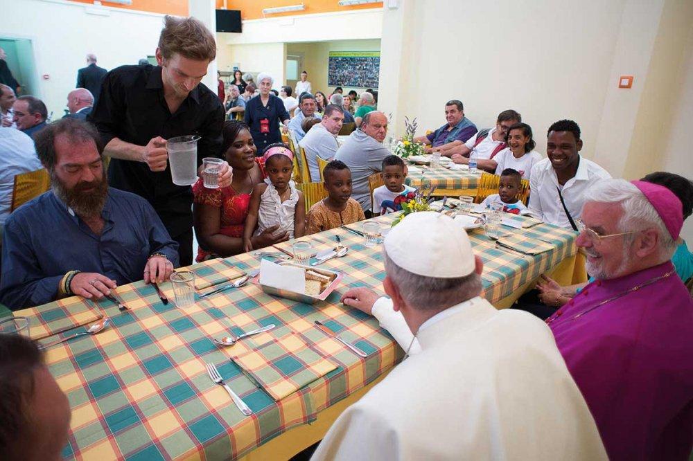 Papa Francesco alla mensa della